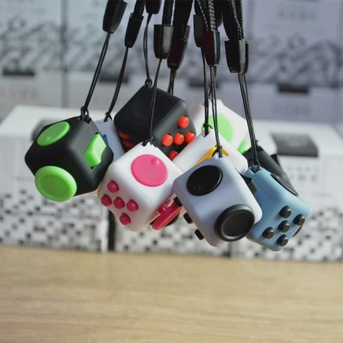 Mini-Size 2.2cm Popular Fidget Cube Squeeze Fun Stress Reliever Desk Novetly Hand Toy Gift For Kids with Hang Rope
